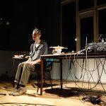 Frédéric Le Junter, performance à l'Espace Britten - Ph. K. Bénard
